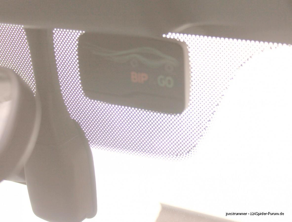 Telepeage-Transponder im Auto montiert (leider keine gute Bildqualität, sorry)
