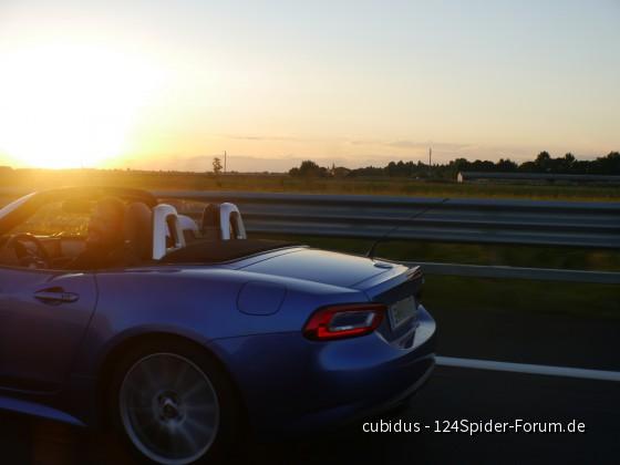 Sunset autostrada italia